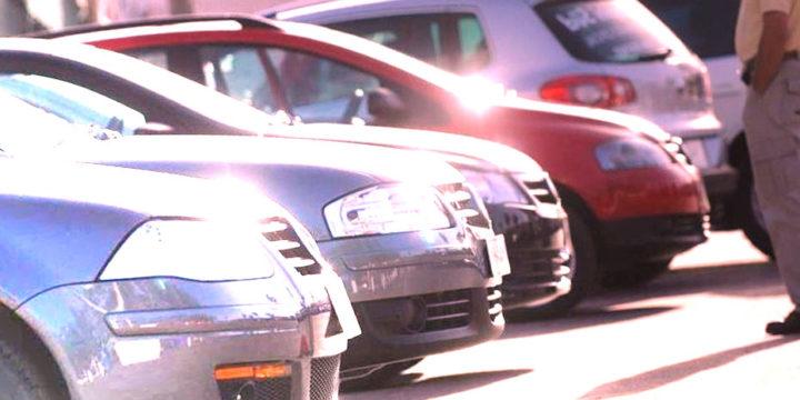 Al comprar un coche usado, comprueba si está libre de cargas y embargos